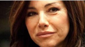 Emanuela Folliero farà risorgere l'Isola dei famosi? Il reality pronto a sbarcare su Mediaset